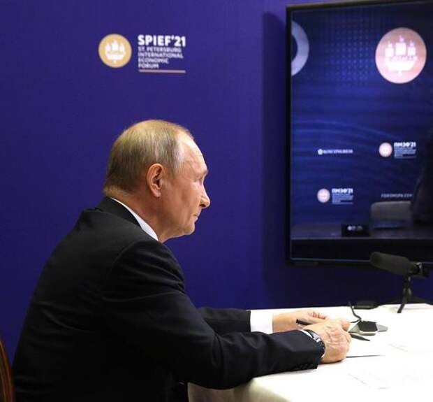 Путин объяснил, кто в значительной степени повлиял на выход российской экономики из вызванного пандемией кризиса