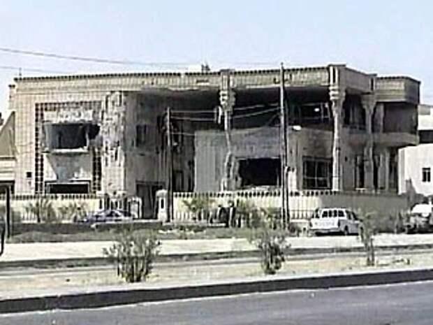 Особняк спецназом США был превращен в руины. Все взрослые мужчины погибли