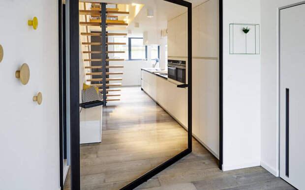 Вращающиеся двери — стильно для дома