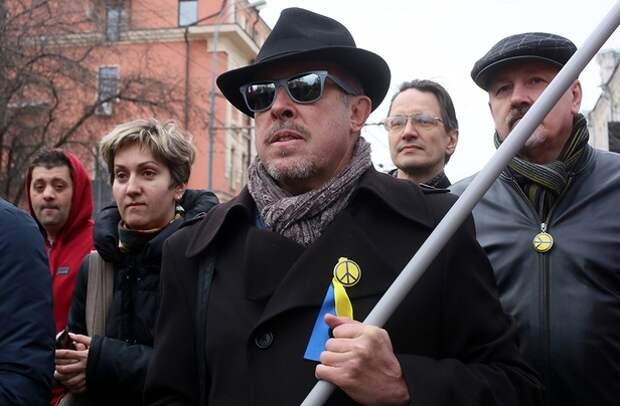 Макаревич оправдал подлую выходку Киева