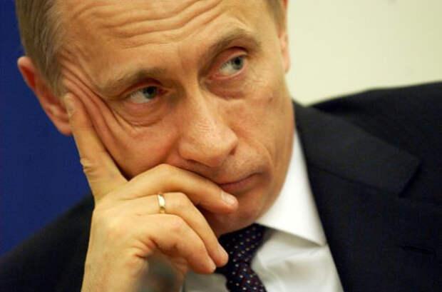 «Вчера было рано, завтра будет поздно» или Почему Путин не может уволить либералов-2 . М.Хазин