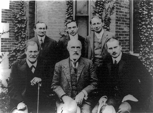 http://arthuride.files.wordpress.com/2012/10/group-photo-1909-in-front-of-clark-university-front-row-sigmund-freud-g-stanley-hall-jung-back-row-abraham-a-brill_-ernest-jones_-sandor-ferenczi.jpg