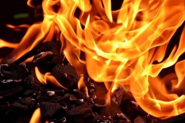 В Анапе ученик 9-го класса потушил горящую дверь соседней квартиры