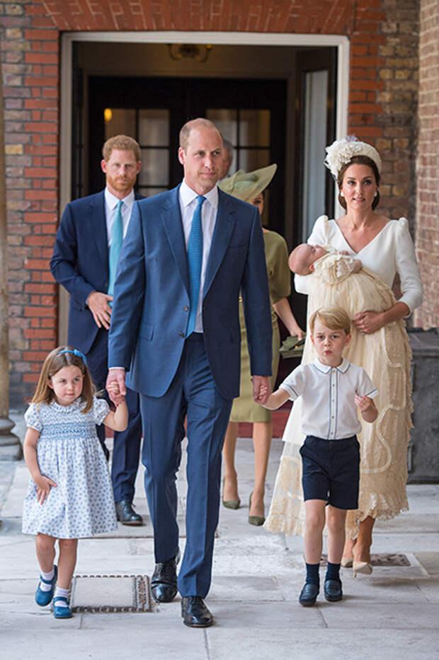 Принцесса Шарлотта, принцы Уильям и Джордж, Кейт Миддлтон и принц Луи
