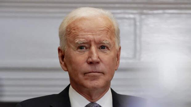 Американский сенатор заявил об угрожающем поведении президента Байдена