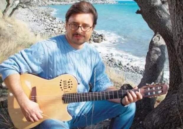 Певец, композитор, телеведущий Владимир Маркин | Фото: stories-of-success.ru
