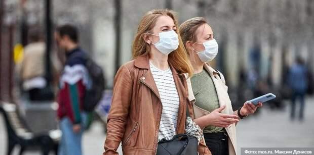 Почти 60 гостей трех ТРЦ на севере Москвы оштрафовали за отсутствие масок и перчаток Фото: М. Денисов mos.ru