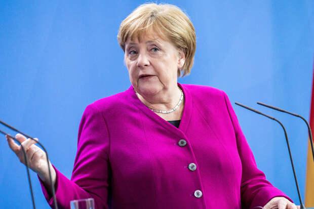Меркель пригрозила России расширением санкций