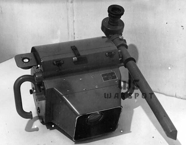 Фотоаппарат АФА-27А с перископическим прибором - Летающие глаза артиллерии   Warspot.ru