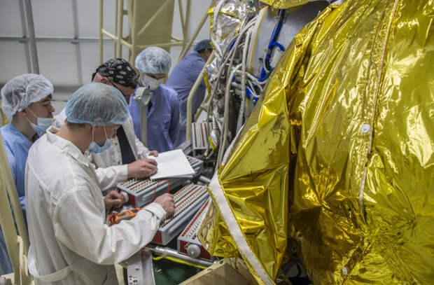 С космодрома Восточный запустят двумя ракетами-носителями еще 72 спутника