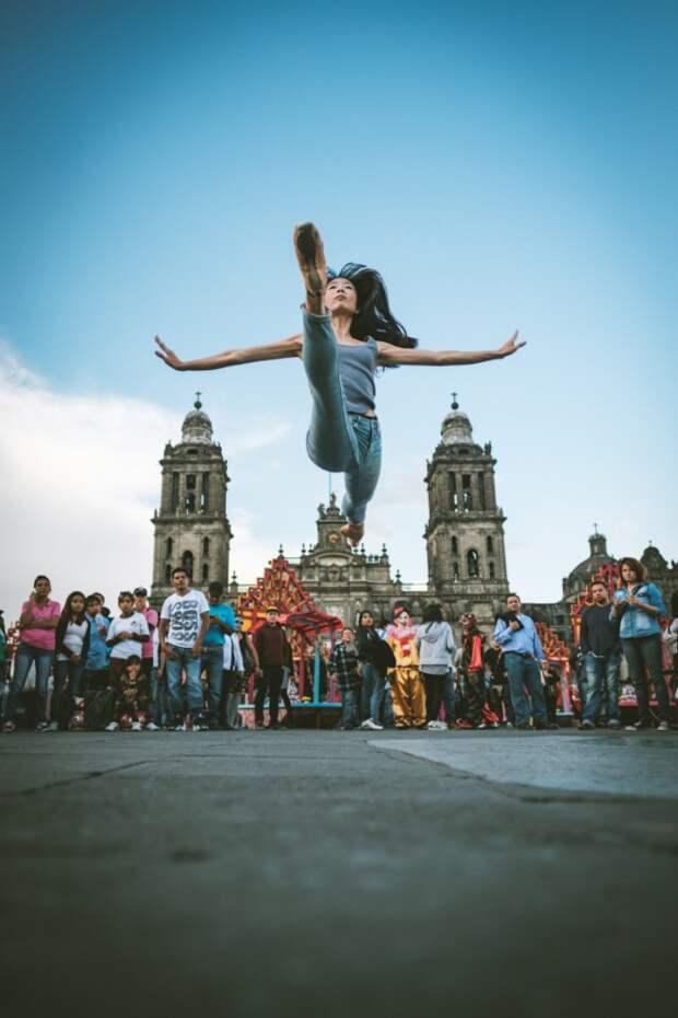 Балерины на улицах Мехико