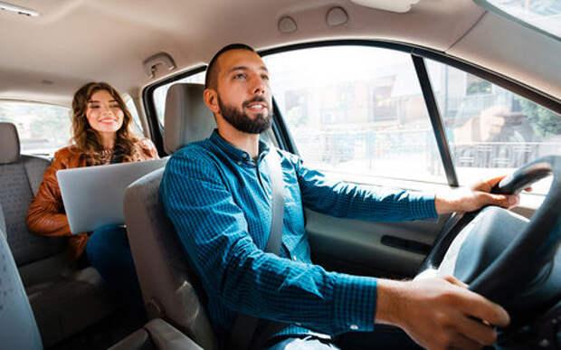 Поговорим? Клиенты такси любят пообщаться с водителями