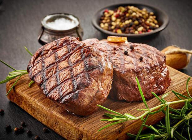 Больше всего канцерогенных соединений содержится в твердой корочке жареного мяса