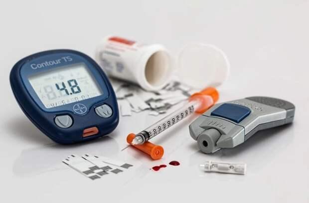Врач назвал три основных признака высокого сахара в крови