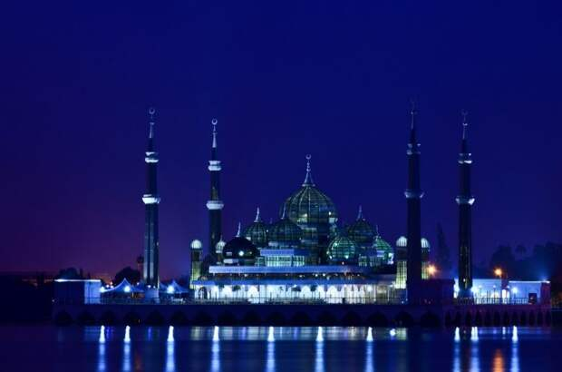 Жемчужина Малайзии: Кристальная мечеть в Теренггане