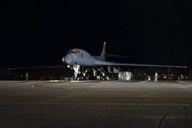 Американские бомбардировщики пролетели рядом с арктическими рубежами России