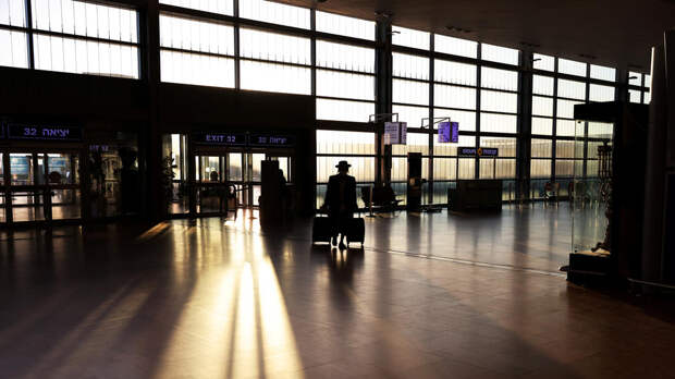 Из-за обстрелов рейсы в аэропорт Бен-Гурион направляют на юг Израиля