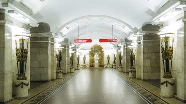 Известные петербуржцы рассказали, чем должно пахнуть городское метро