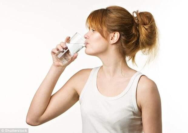 Необходимо пить не меньше 1,5 литров чистой воды в день здоровый образ жизни, легенды, наука и жизнь