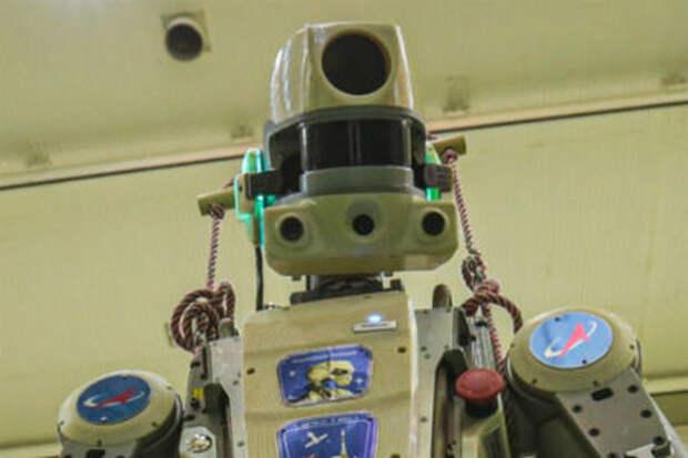 Робот Федор извинился за задержку