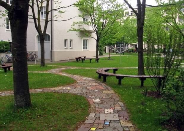 Севастопольские дворы перестанут быть полосой препятствий