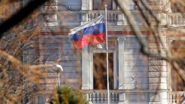 Чехия высылает 18 российских дипломатов. Комментарии чехов
