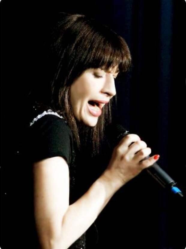 """Что сейчас делает Алиса Мон – исполнительница песни """"Подорожник-трава"""""""