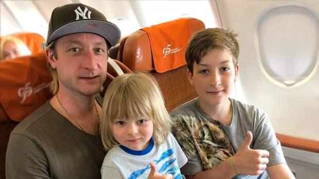 Сын Евгения Плющенко Егор: как выглядит, чем занимается. Ондолжен был носить имя Кристиан