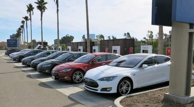 Каждый пятый владелец электрокаров вновь пересаживается в обычный автомобиль