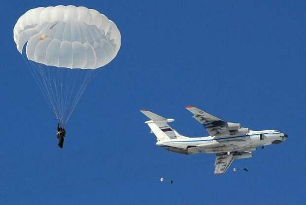 В случае аварии парашюты совершенно бесполезны / Фото: phototass1.cdnvideo.ru