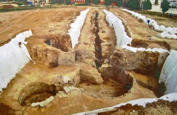 Хрустальный кинжал, которому не менее 5000 лет Оружие, Раскопки, Длиннопост