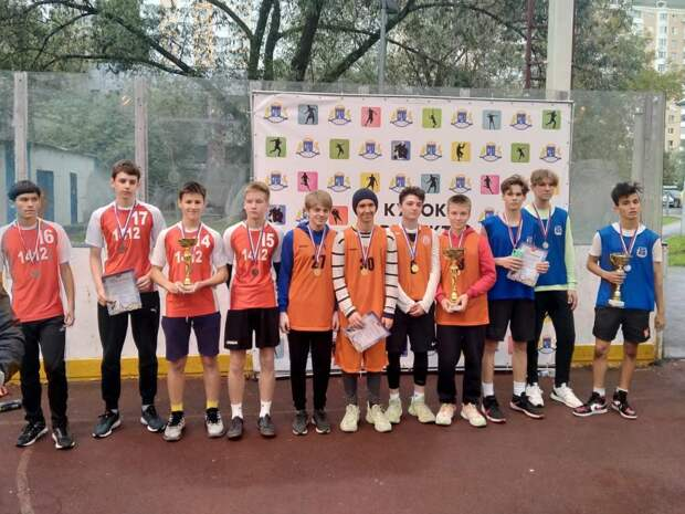Баскетболист из Лианозова помог своей команде выиграть Кубок префекта