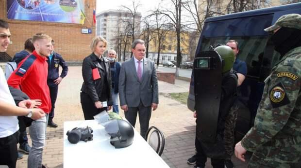 В Пензе прошла выставка военной техники и плац-концерт в честь «Дня призывника — 2021»