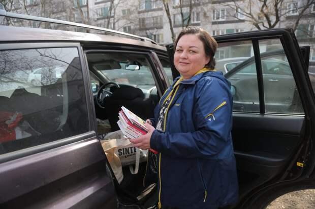 Олеся Климук и ее единомышленники регулярно отправляют посцлки в Донбасс / Фото: Артур Новосильцев
