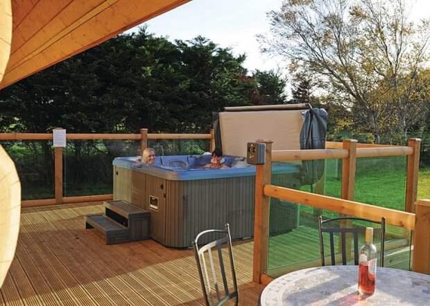В полноценных номерах есть все для комфортного отдыха (Ream Hills Caravan Park, Великобритания). | Фото: reamhills.co.uk.