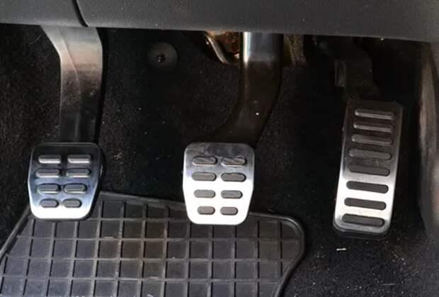 ТОП-5 ошибок автолюбителей, при езде на механической коробке передач, которые совершают почти все.