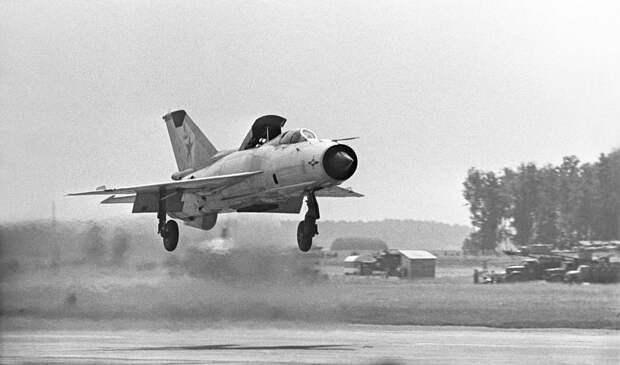 Сверхзвуковой истребитель МиГ-21, 1967 год Сергей Преображенский/ТАСС