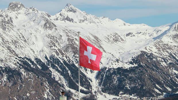 При сходе лавины в Швейцарии погибли два лыжника