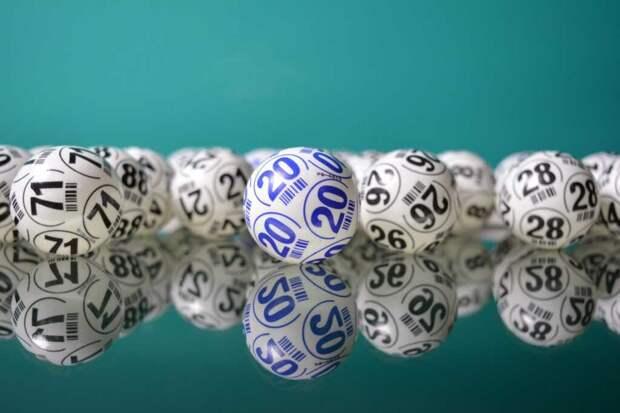 Удачливая американка выиграла $4 млн в двух лотереях за один день