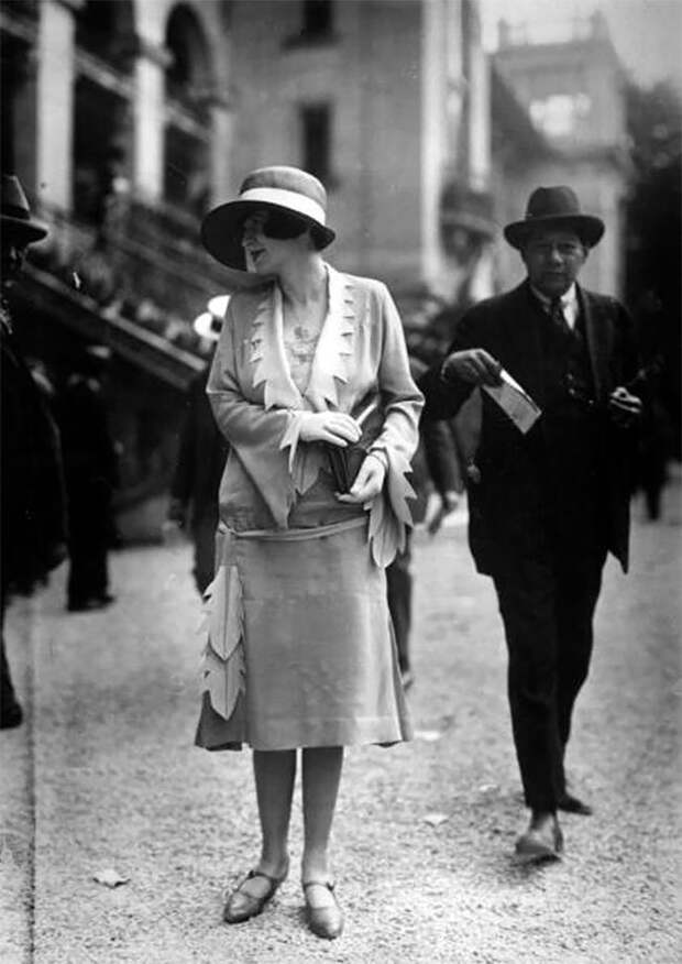 Париж, 1921 год Стиль, винтаж, двадцатые, женщина, мода, прошлое, улица, фотография