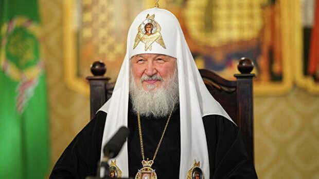 Патриарх Кирилл поздравил Путина с Днем России