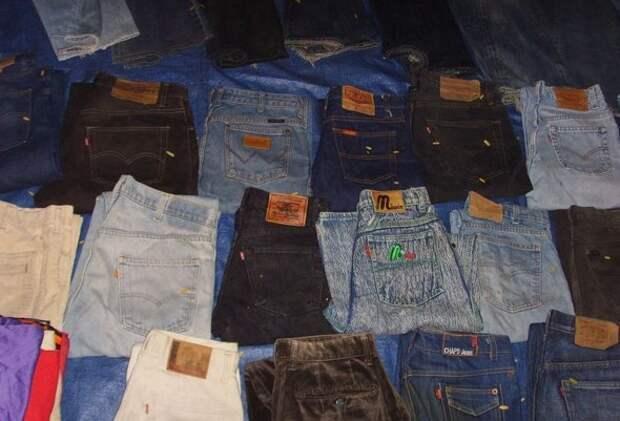 На развалах было полно и джинсов - на любой вкус. мода, ностальгия, одежда 90-х, перестройка, уродливые вещи