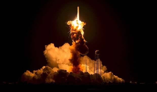Джефф Безос получил поздравление от Илона Маска после успешного полета в космос