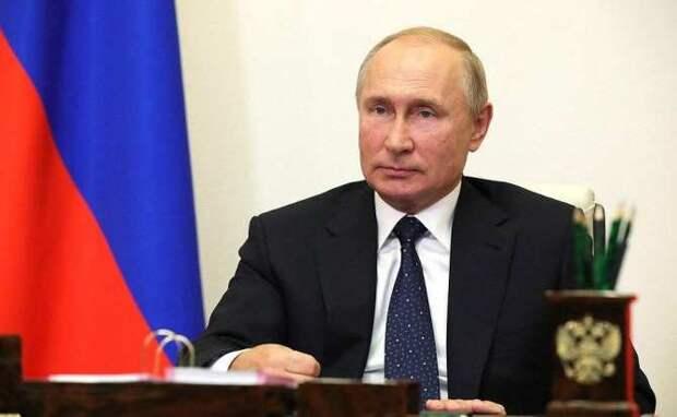 МОЛНИЯ: Путин объявил онерабочих днях вмае (ВИДЕО)