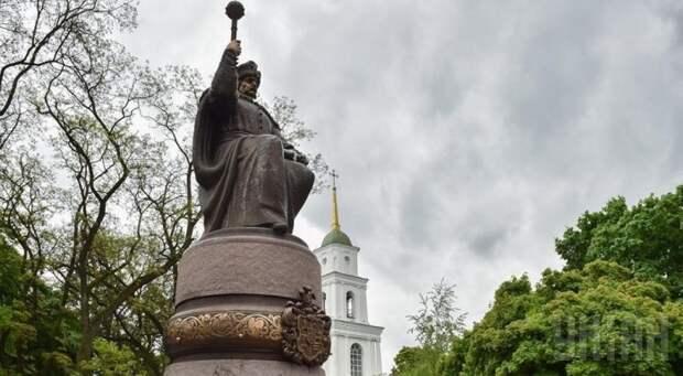 Порошенко назвал Мазепу настоящим символом Украины