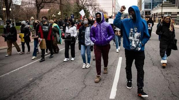 BLM-активисты бросились на штурм конгресса в Оклахоме