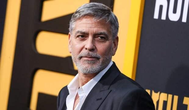 """""""Мои волосы похожи на солому"""": Клуни раскрыл забавную тайну лучшей голливудской прически"""