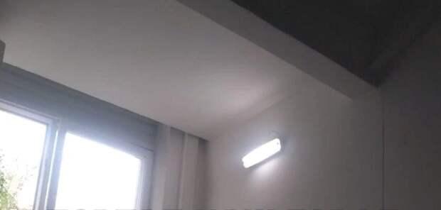 Освещение восстановили в темном подъезде дома на Шоссейной