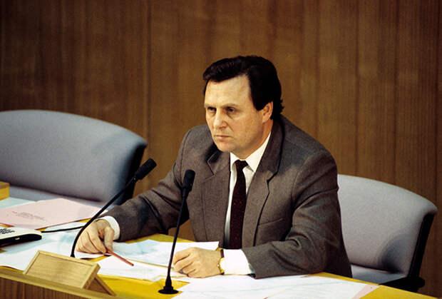 Председатель Государственной Думы ФС РФ Иван Рыбкин, 1994 год