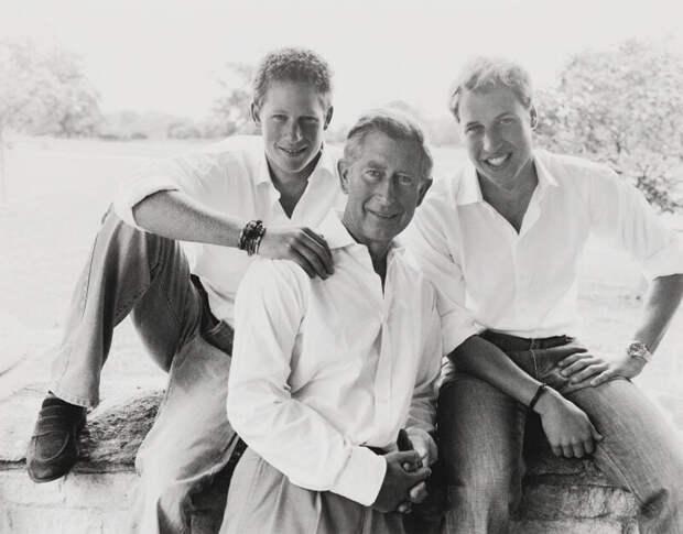 Принцы Чарльз и Уильям вышли на связь с принцем Гарри после его интервью Опре Уинфри